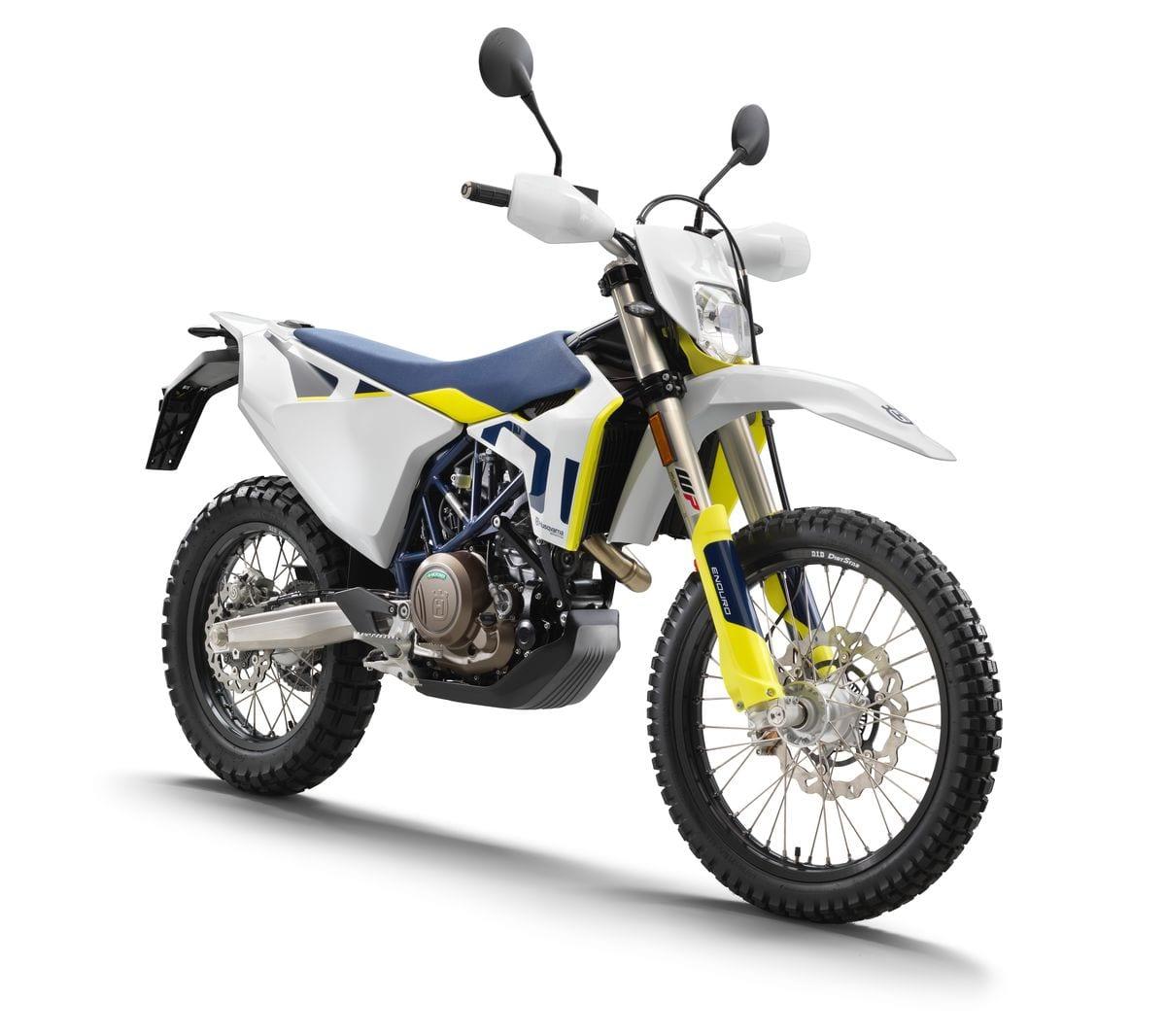 701 ENDURO גם בגרסת A1 כחול/צהוב