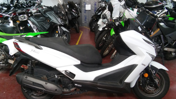 אופנועים וקטנועים יד 2