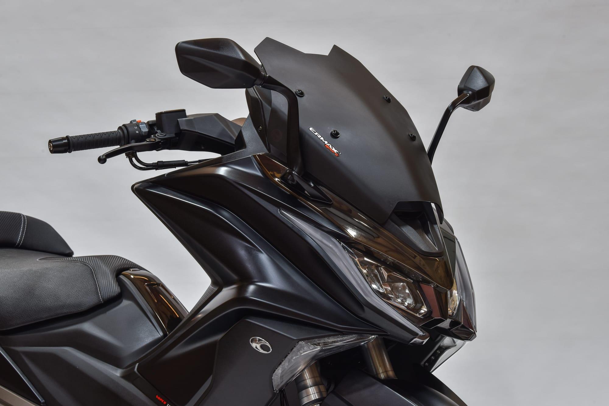 AK 550 Limited Edtion שחור
