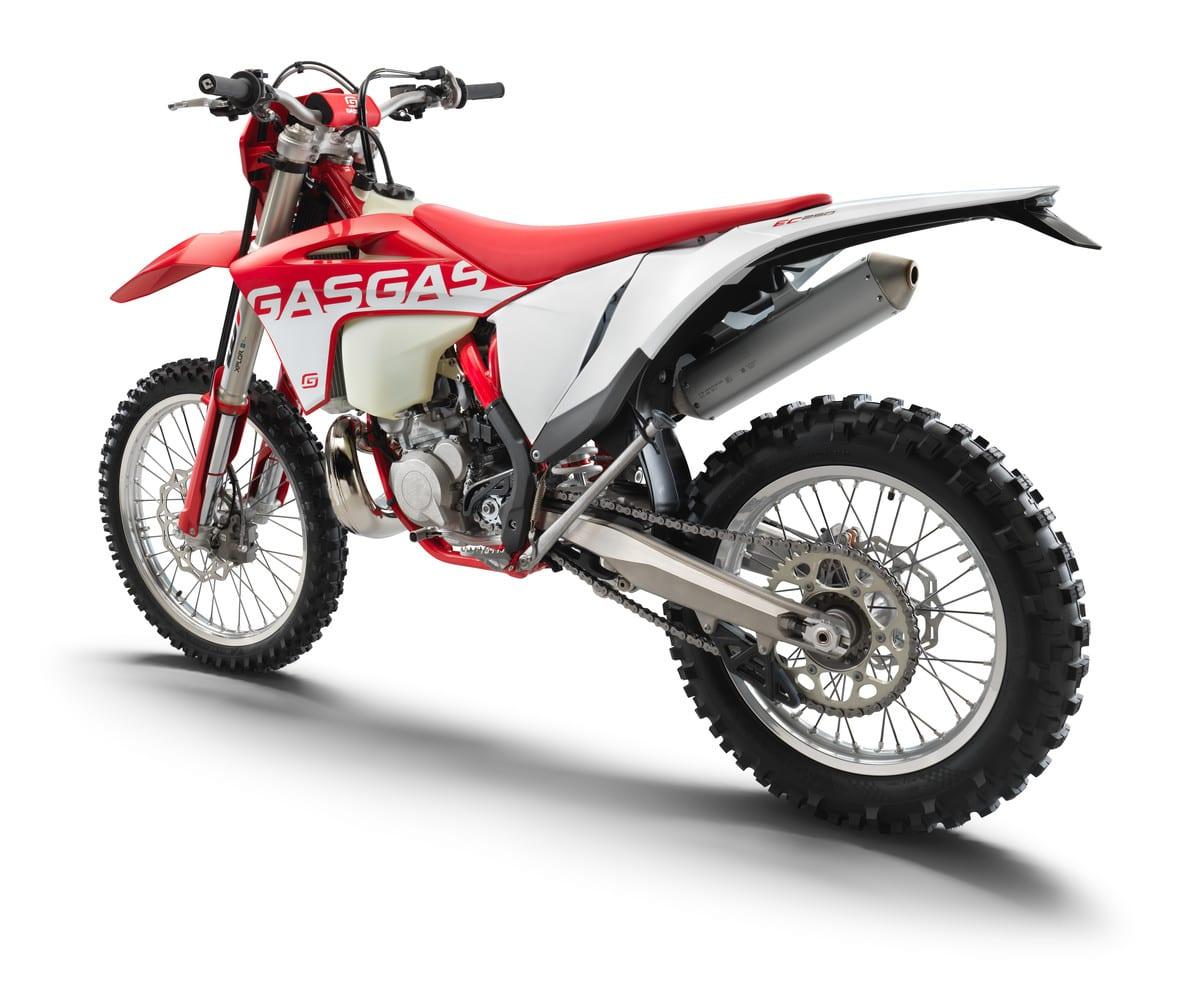 EC 250 אדום לבן